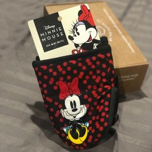 🎀MINNIE MOUSE NWT OVEN MITTS🧤